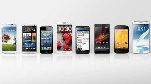 Pelbagai jenis telefon pintar telahpun dikeluarkan bagi tahun 2013 ...