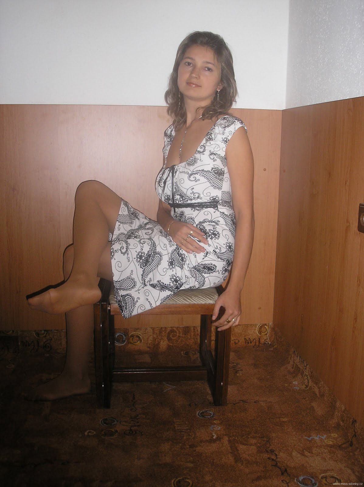 Belle porcelline.. Dress pantyhose fetish pics like