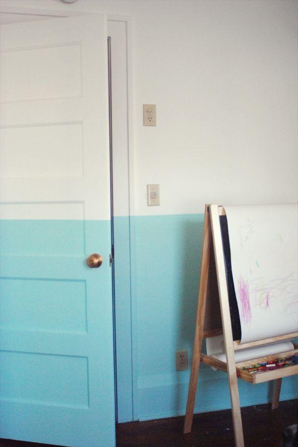 La fabrique d co peindre un mur de fa on originale Peindre encadrement porte 2 couleurs