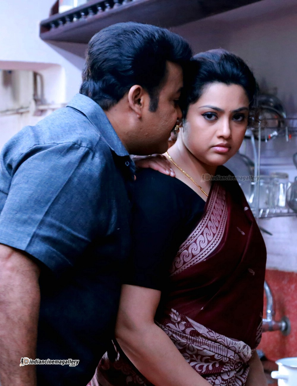 ... .com: Meena latest hot photos in saree from Drishyam Malayaalm movie