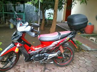 Honda Supra X ungu