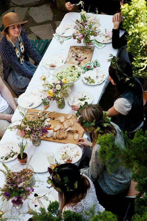outdoor dining gatherings