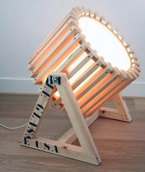 luminária de madeira reuso