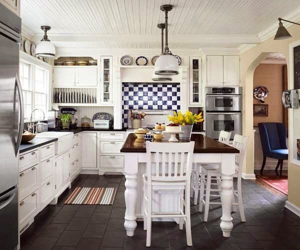 Vintage Farmhouse A Dutch Colonial