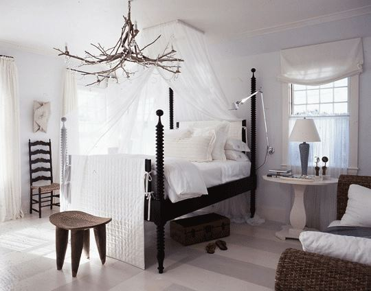 blog.oanasinga.com-interior-design-ideas-brown-white-rustic-bedroom-four-poster-canopy-bed