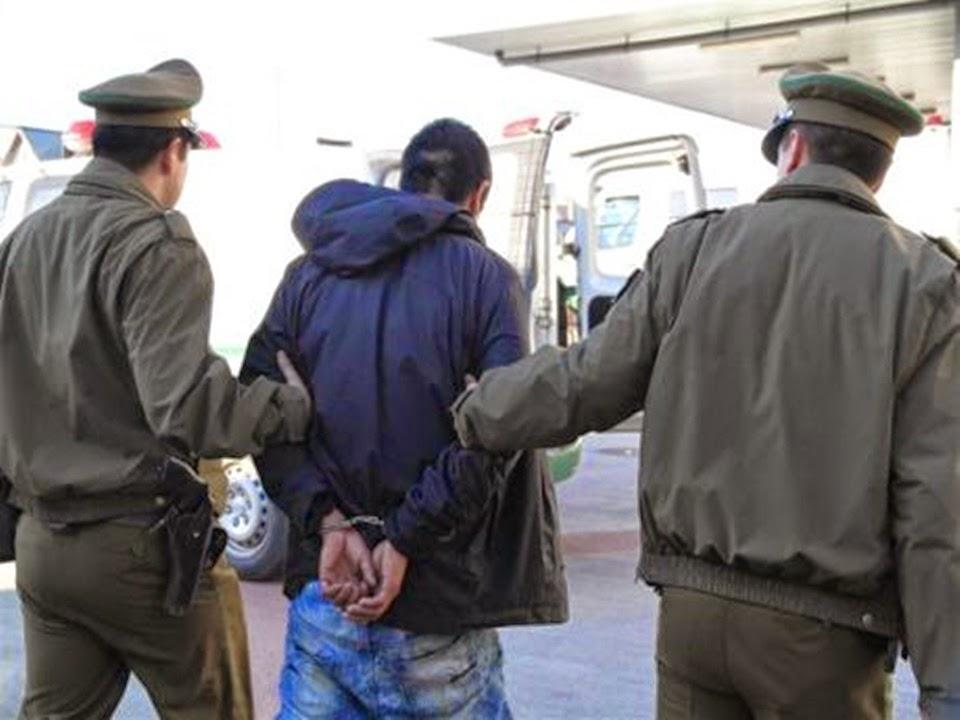 Ingreso a Chile con un arma escondida y lo detuvieron