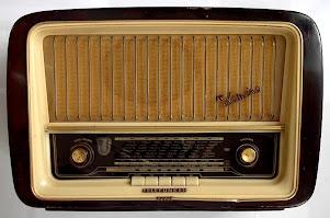 ESCUCHA LA RADIO POR INTERNET