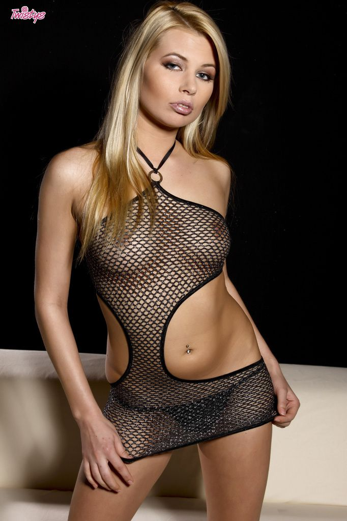www.CelebTiger.com++Sexy+Model+Leany+In+Fishnet+See+Through+Dress+Nude+004 Leany Wearing A See Through Dress And Stripping Nude In Front Of Camera HQ Photo Gallery