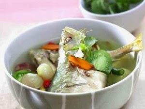 cara membuat sup ikan kuah bening asam pedas
