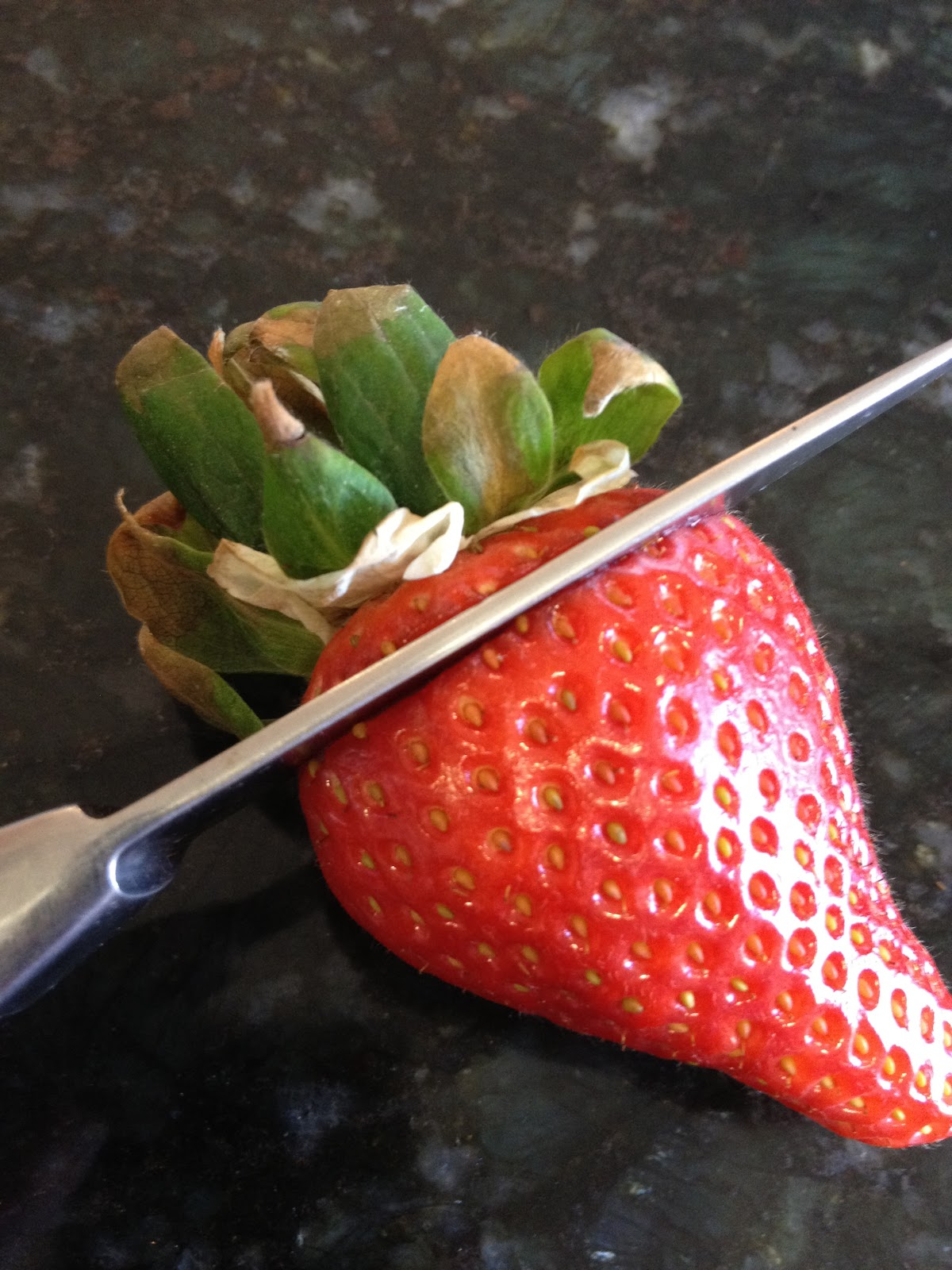 Tip: How to Hull Strawberries Without a Fancy Gadget on Diane's Vintage Zest!