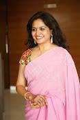 Singer Sunitha dazzling saree photos-thumbnail-7