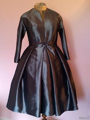Klänning StinaP sidensyntet silvergrå La Cigale Christian Dior