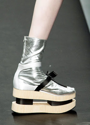 Sepatu Terunik dari Fashion Week