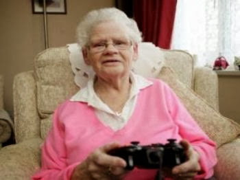 Nenek usia 78 tahun hobi main game Grand Theft Auto