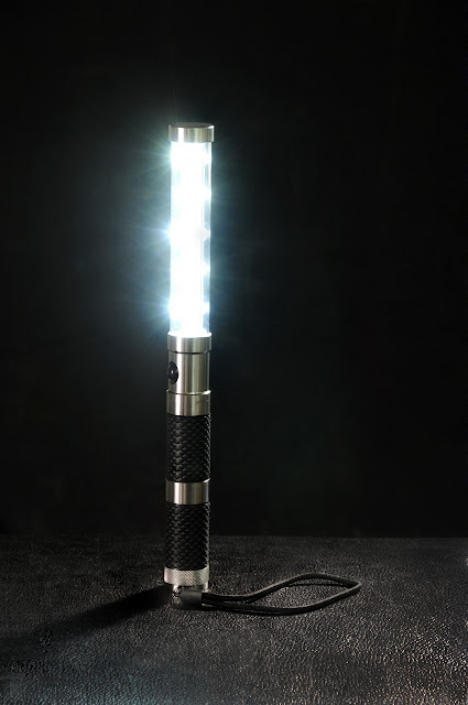 LED STROBE BATON ALTERNATIVE FOR CHAMPAGNE BOTTLE SPARKLER