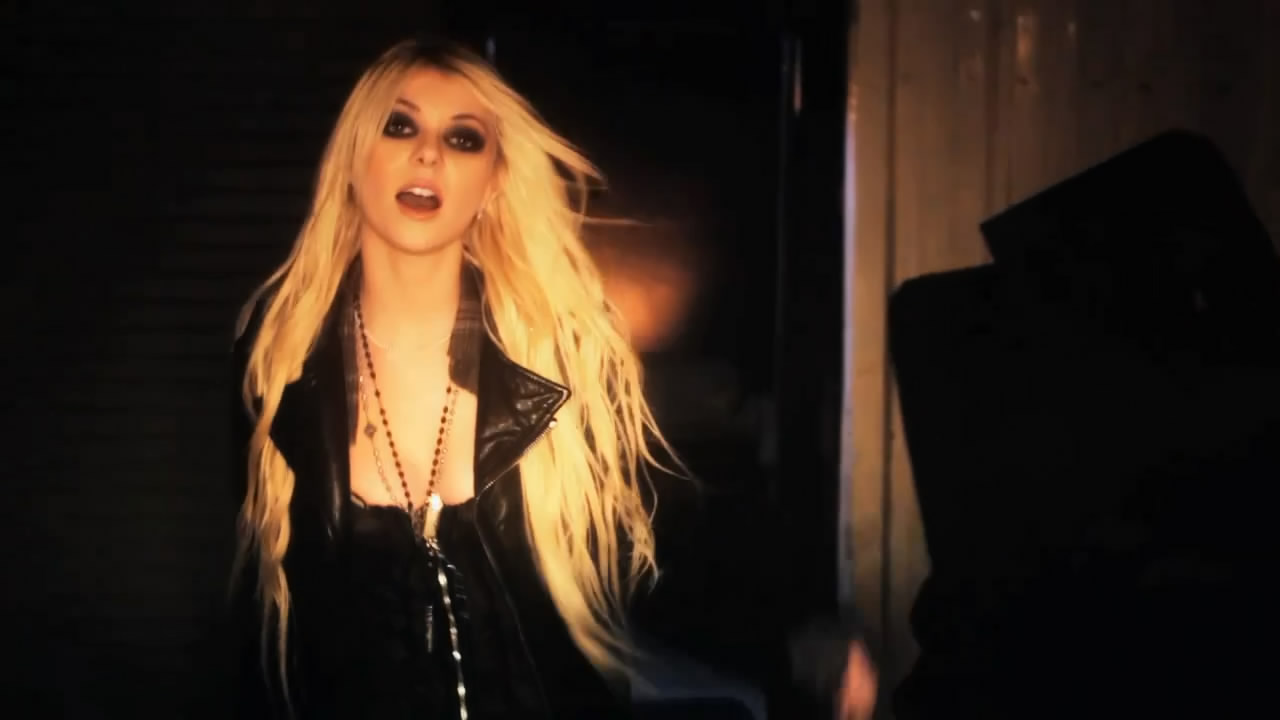 Taylor Momsen Photo Gallery2 | Tv Series Posters and Cast Taylor Momsen Posters