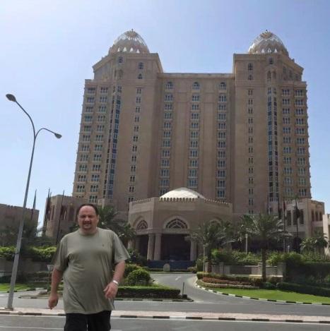 د. رشيد الطوخي اثناء زيارته للعاصمة القطرية الدوحة