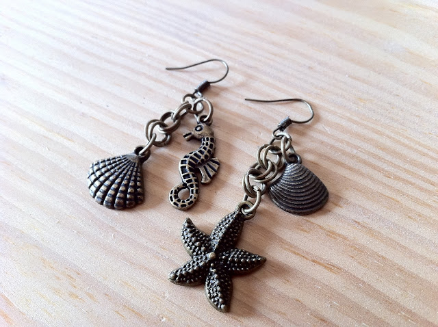 nr013-non-identical-mismatched-earrings