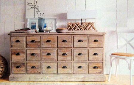 Muebles auxiliares con madera reciclada for Bar con madera reciclada
