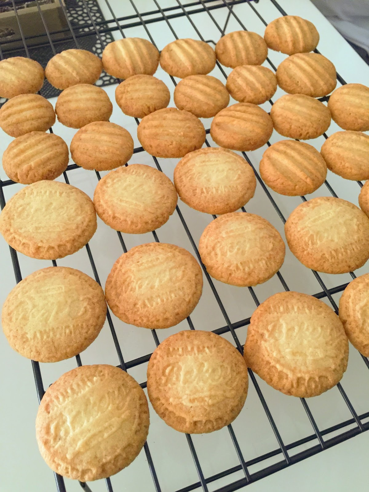 Baking Mom: Coconut Butter Cookies
