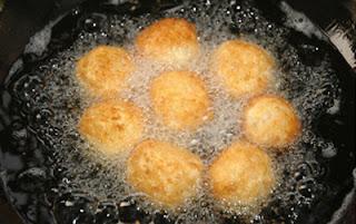 Fried Chicken Cakes Recipe (Bánh Gà Chiên Xù) 3