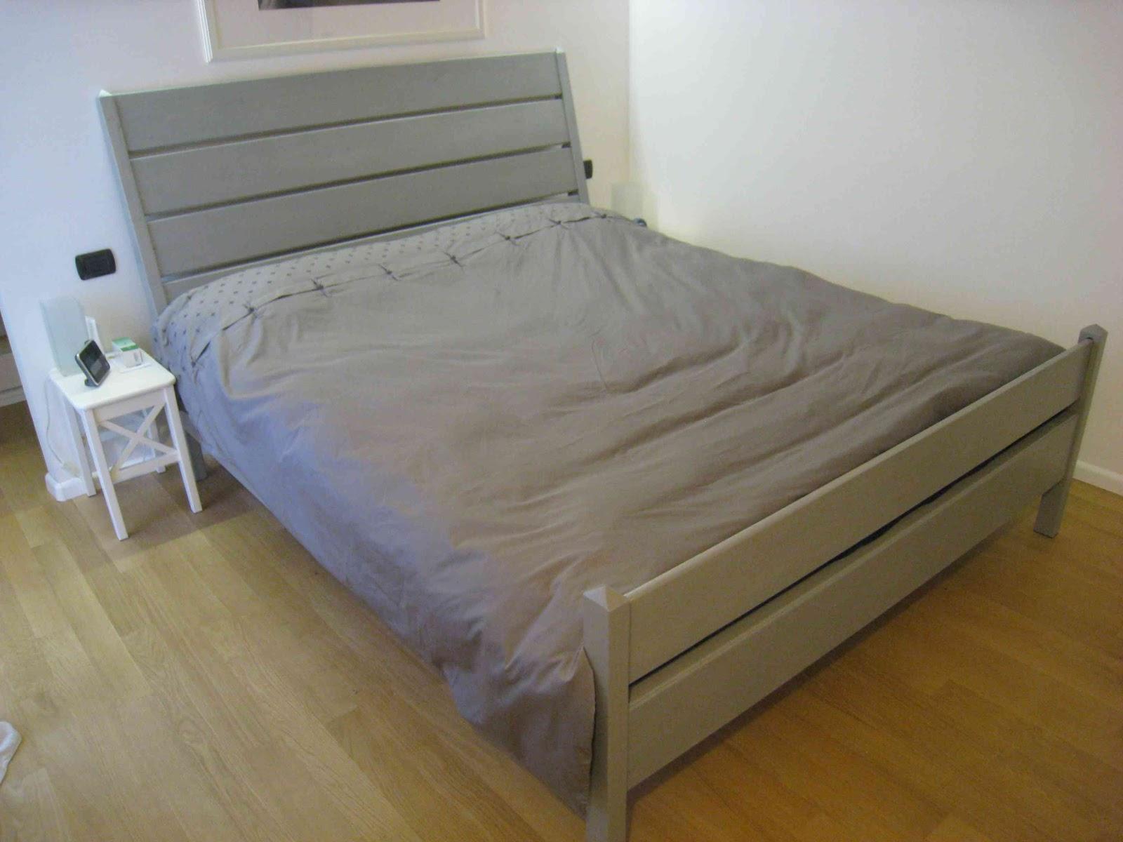Costruire un letto costruire un divano con bancali - Letto singolo pallet ...