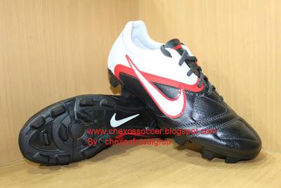 Sepatu Sepak Bola Nike CTR Libreto II Black/white/Red