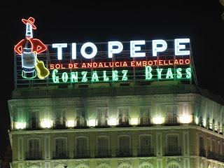"""El """"Tío Pepe"""",  un luminoso con solera."""
