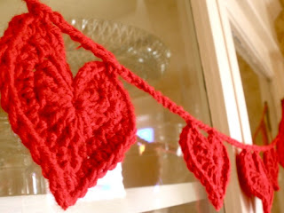 dia dos namorados - varal de coração em crochê