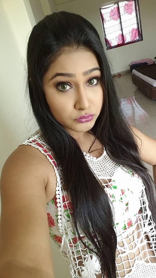 Priyanka Pandit ON Set Ichhadhari pics