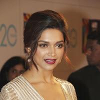 Deepika at zee cine awards