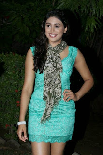 Actress Manisha Yadhav Latest Pictures in Short Dress  0005