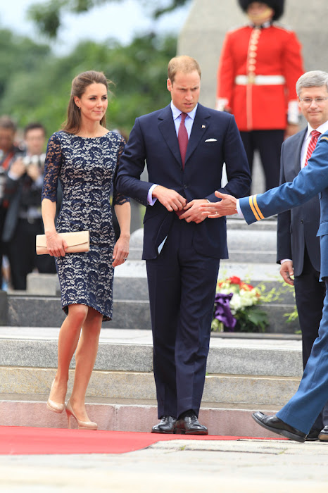 kate middleton arrive in canada , hot photoshoot