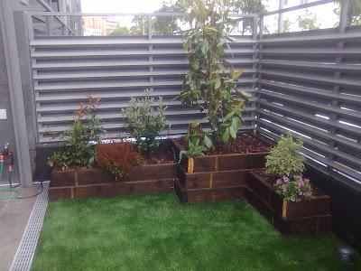 Arte y jardiner a superficies verticales materiales para el jard n - Vallas decorativas para jardin ...