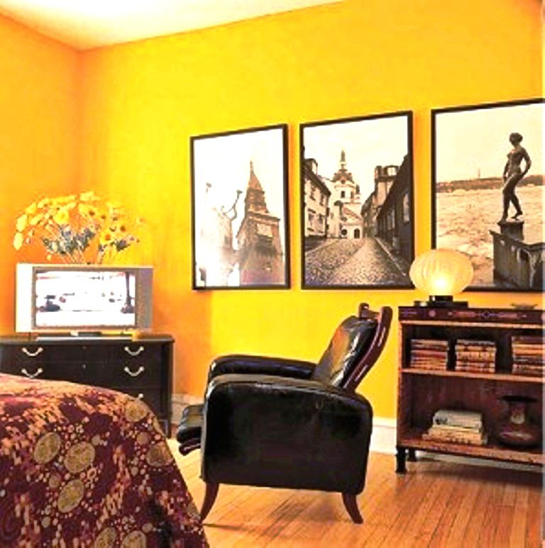 Yellow Paint Colors for Living Room Walls