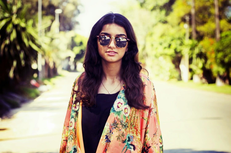 maxi skirt noire pour l'été kimono fleuri tendance sauvage fille blogueuse maroc