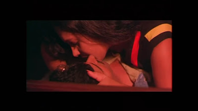 Kadhal Manmadhan Movie Hot Scene