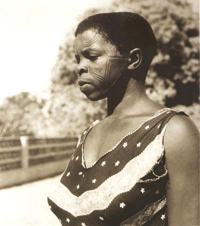 mulheres makonde tatuadas