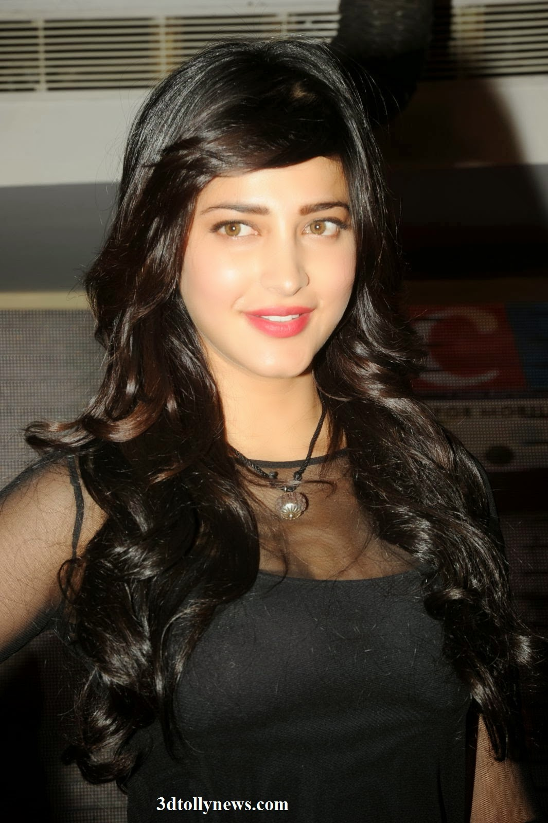 shruti-hassan-latest-stills