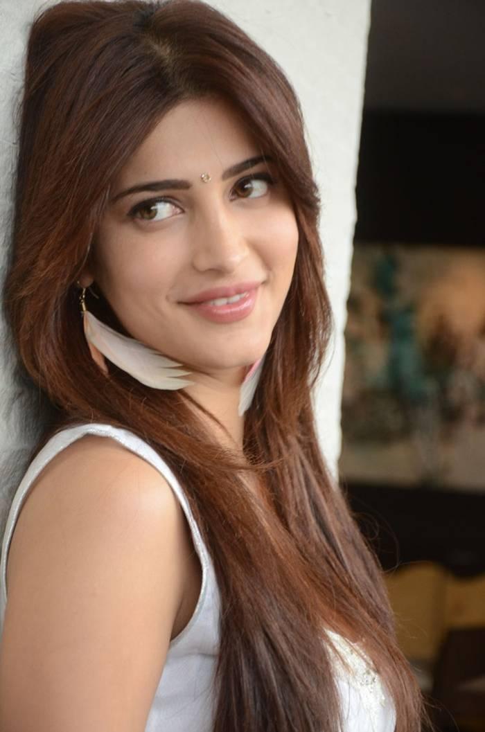 Shruti Hassan White Dress Photoshoot