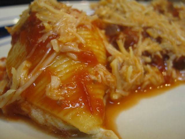 ... /cooking/2010/10/three-cheese-stuffed-shells-with-meaty-tomato-sauce