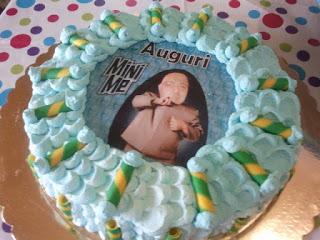 torta effetto petalo - petal cake (prime decorazioni)