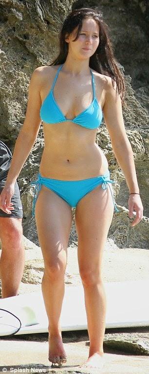 jennifer Lawrence loses her bikini