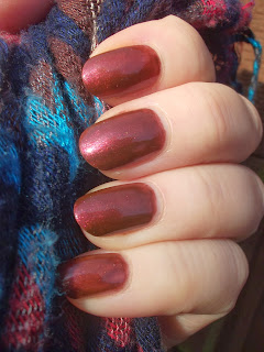 Nails Inspire Satin Kiss