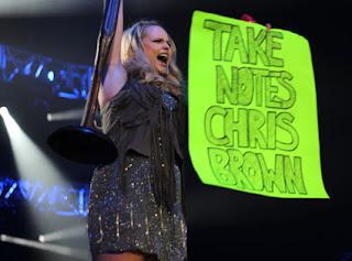 Miranda Lambert vs Chris Brown