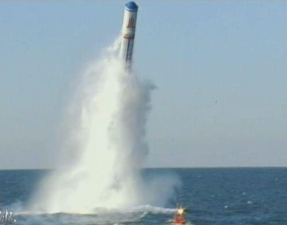 أربعة نمور صينية أثارت الذعر ببلاد العم سام - صفحة 5 JL-2+r+MIRV++Giant+Wave+2+Chinese+IBtercontinental-range+submarine-launched+ballistic+missile+%2528SLBM%25298%252C000+km+multiple+warheads+Chinese+Type+094+%2528Jin-class%2529+submarine+Type+092+%25283%2529