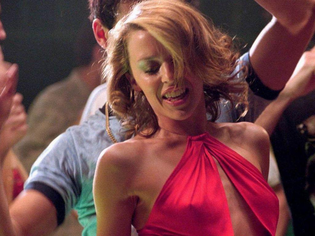 http://3.bp.blogspot.com/-yso4_fDLKeM/Tn3-kVHfsNI/AAAAAAAABOs/KHCmCXBa2-E/s1600/Kylie-Minogue-103.JPG
