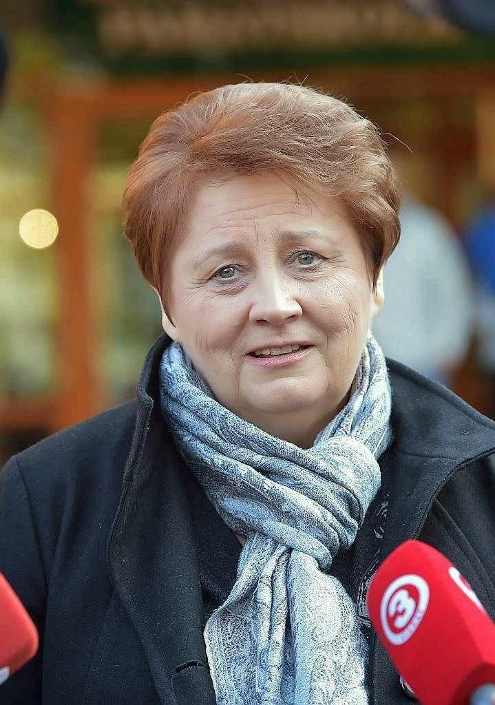 A Letônia confirmou o governo da primeira ministra Laimdota Straujuma