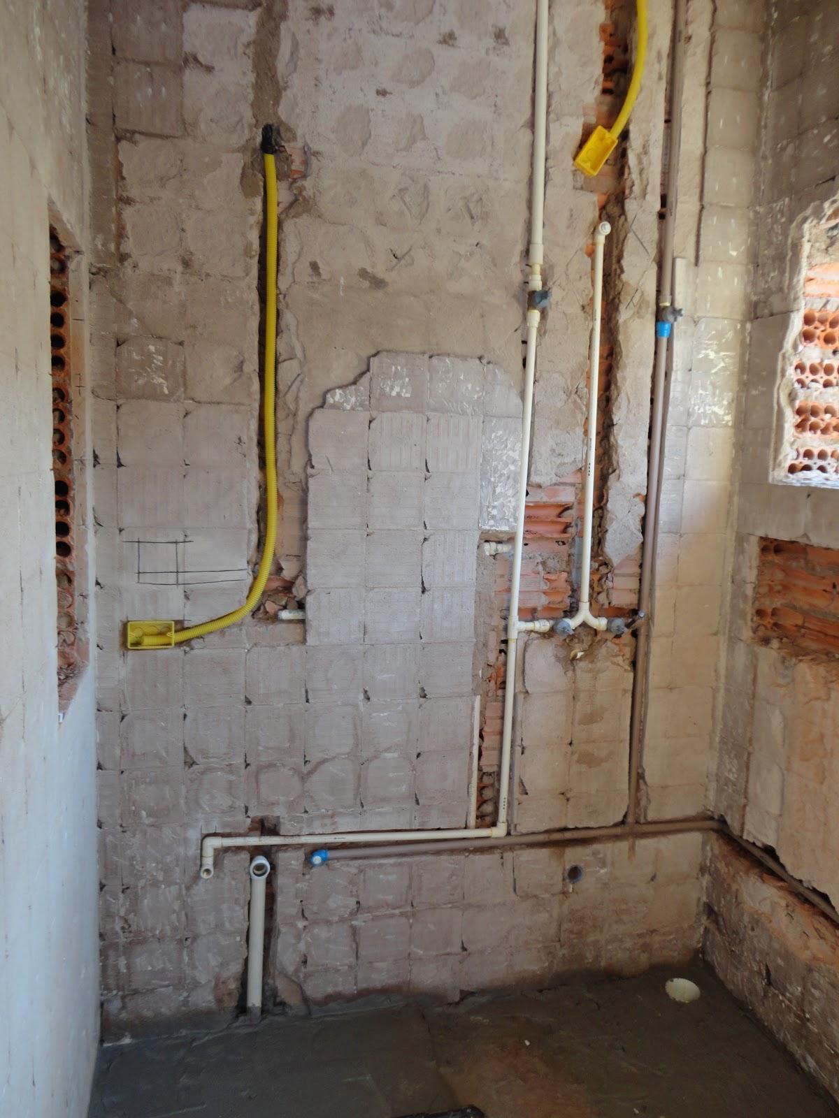 para o chuveiro e para a pia com misturadores para água quente e fria #AB8D20 1200 1600