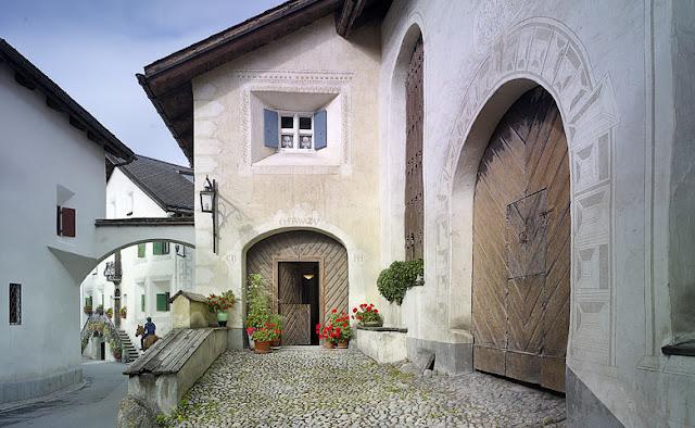 Casa original engandina ubicada en Suiza para alojarse en vacaciones chicanddeco